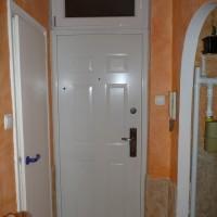 HiSec Ajtó Classic, fehér szinű, bukó nyíló felülvilágító ablakkal, glettelve!
